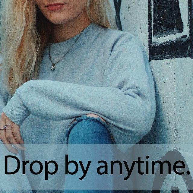 「ドロップショルダー」を知ってれば…ゼッタイ話せる英会話→ Drop by anytime.