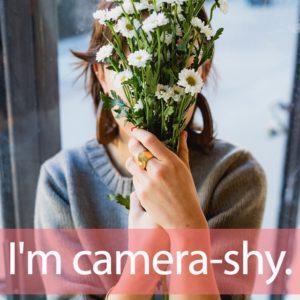 「カメラ」と「シャイ」を知ってれば…ゼッタイ話せる英会話→ I'm camera-shy.