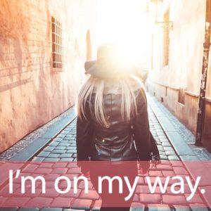 「マイウェイ」を知ってれば…ゼッタイ話せる英会話→  I'm on my way.